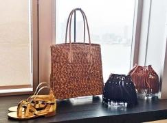 dvf spring 2016 look_handbag and heels 2