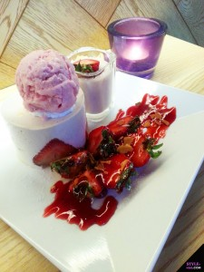 joyful dessert house strawberry trio