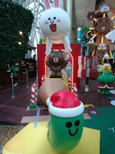 lindfriends longham place mk hk christmas pop up store party on thr desk (13)