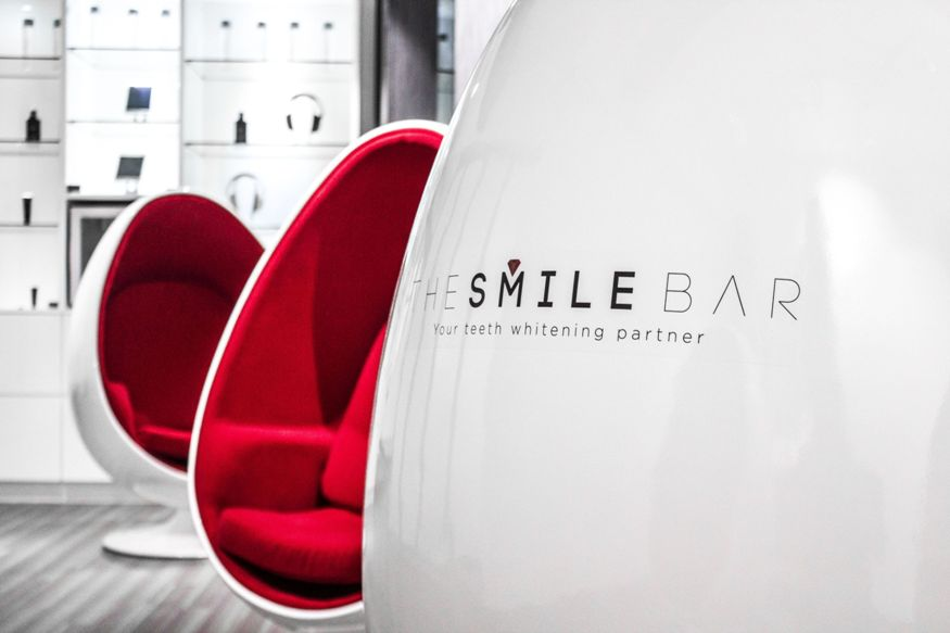 The Smile Bar - Close-up-whitening-teeth (3)
