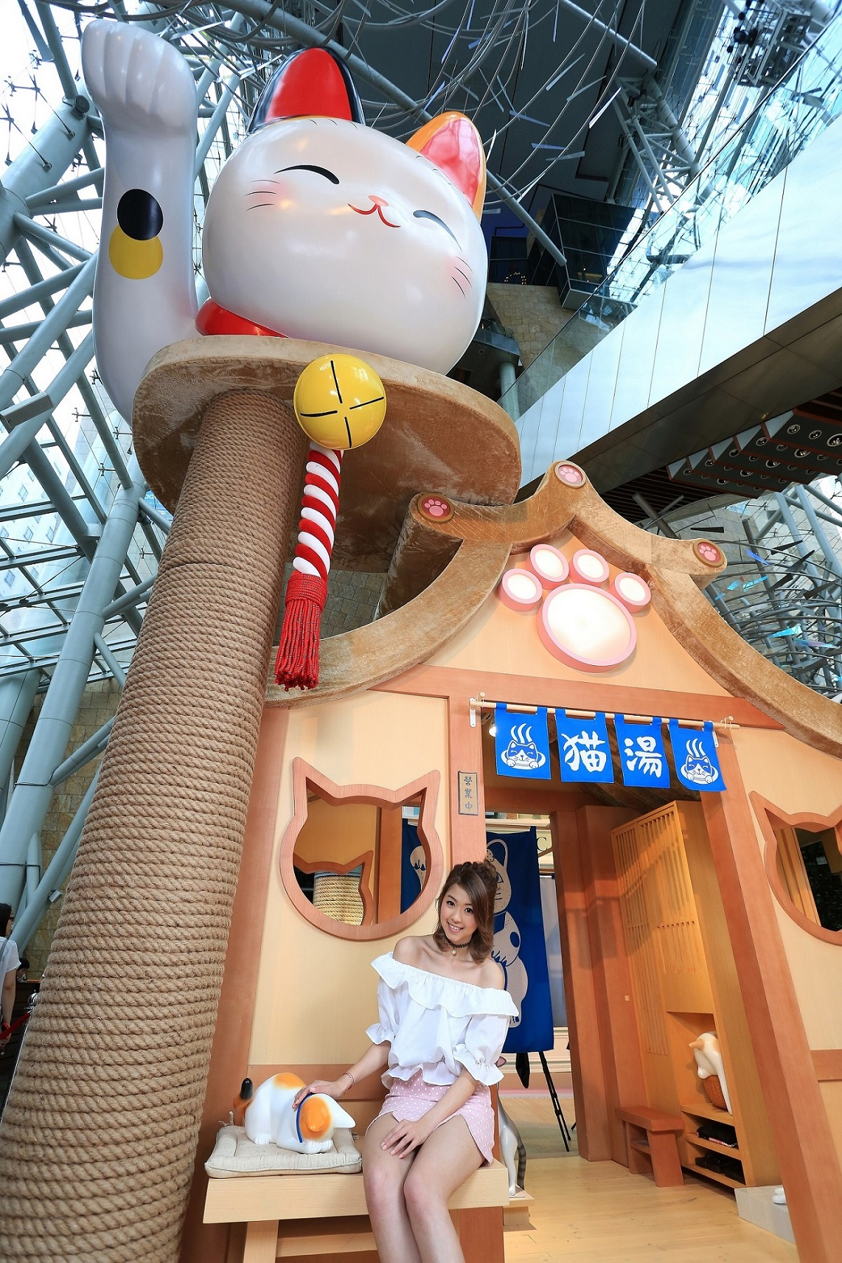 朗豪坊_HappyMEOWment 喵民遊樂園_日式貓湯--Langham-place-mk-hk-mall-summer-cat-cafe-meowshop-cat-satoruko-higemanju