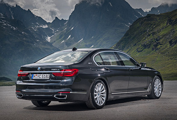bmw-740le-xdrive-iperformance-rear-look