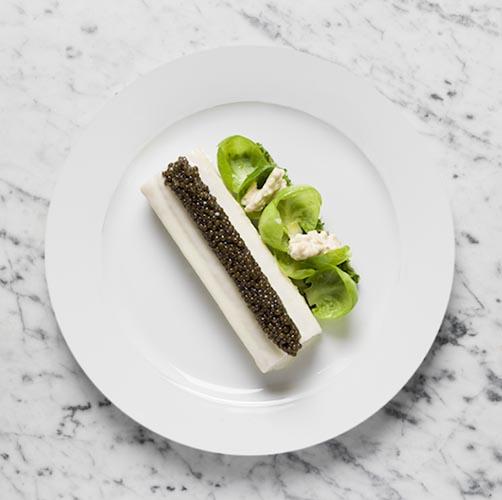 divellec_credit-philippe-vaures_blanc-manger-de-sole-laque-au-vin-darlay-caviar-golden