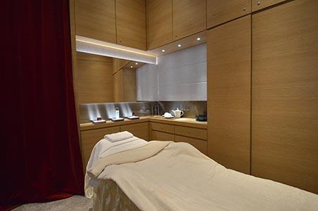 skii_ifc-hk-new-store_6_facial-treatment-room