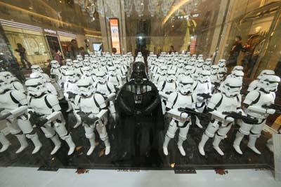 moko-christmas-starwar-death-star-hottoys-figure-troopers-vader-hk-3