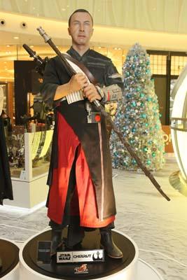 moko-christmas-starwar-death-star-hottoys-figure-troopers-vader-hk-7