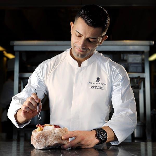 Panerai x Tosca 海洋美饌主廚 Nicola Russo 的烹飪