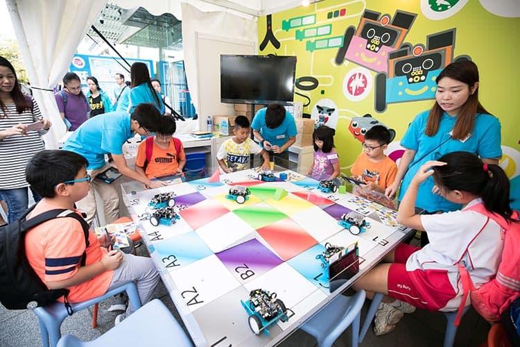 「創新科技嘉年華2018」設有超過300場不同主題的創新及科技工作坊