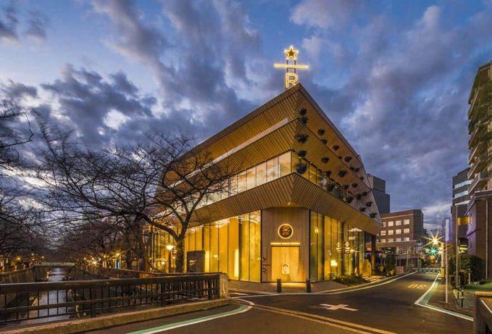 星巴克在東京開設四層樓的全沉浸式優質咖啡體驗店