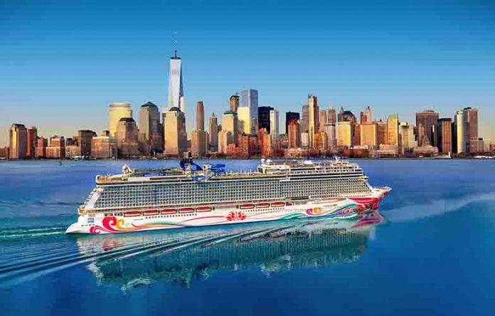挪威郵輪喜悅號首度到訪紐約