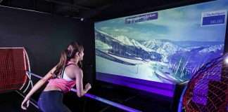 E-Skiing 踏上美國國家滑雪隊獨家認可的專業訓練設備,親身體驗奧運選手的模擬真實訓練。置身多條國際知名的滑雪賽道,包括2018年冬季奧運會的南韓平昌賽道,感受極速滑下山坡的快感。